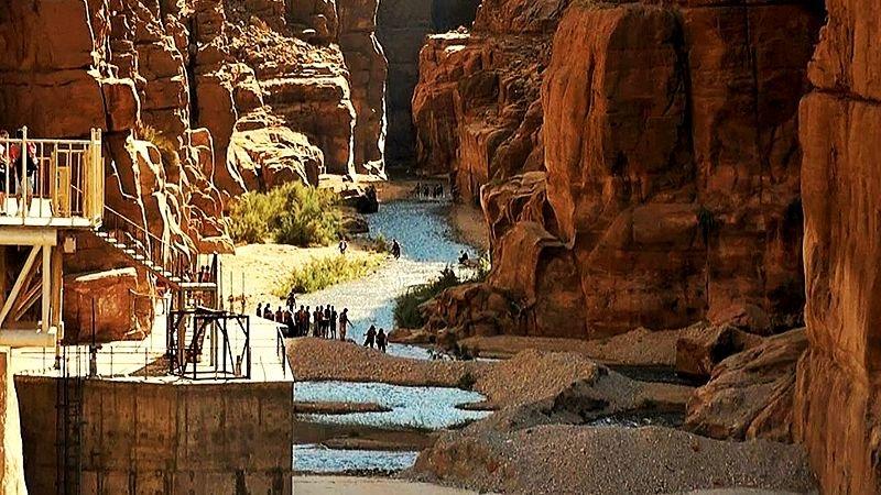 Wadi-Mujib-canyon-jordan.jpg