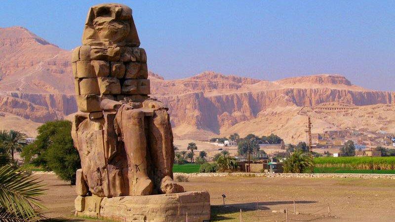 colossi-memnon-luxor-egypt.jpg