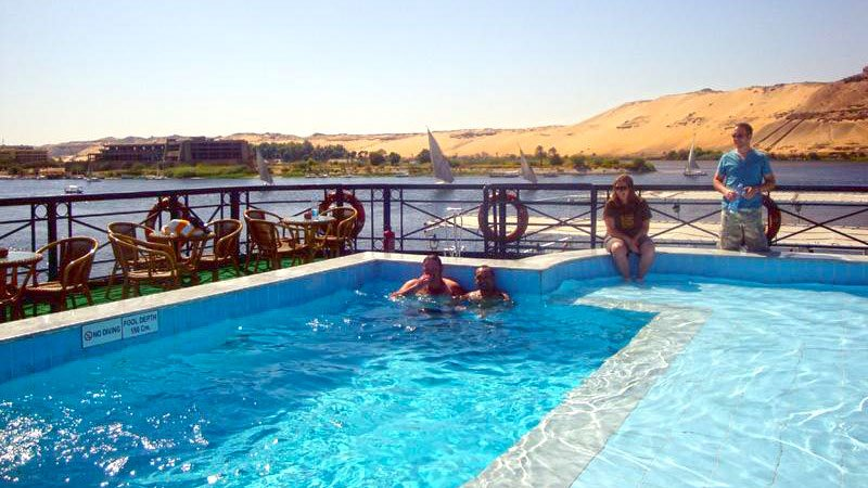 pool-nile-cruiseboat-egypt.jpg