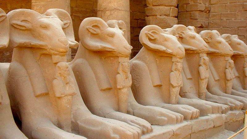 sphinxes-karnak-luxor-egypt.jpg